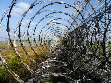 11 prison-fence-218456__340