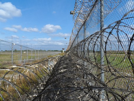 11 prison-fence-218459__340