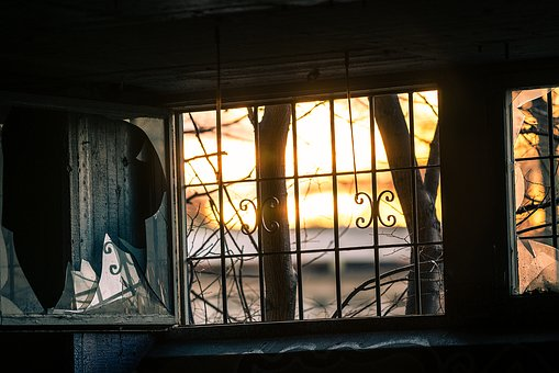 11 window-1861888__340