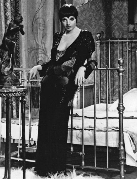 -Liza_Minnelli_Cabaret_1972_crop_3