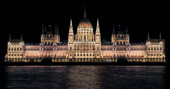 hungarian-parliament-335130__340