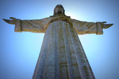 jezus lisbon-1953199__340