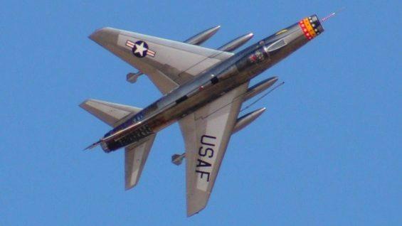 Legendarne samoloty bojowe – F100 Super Sabre