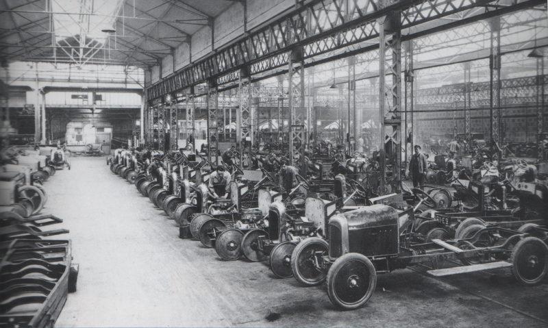 miniaturki_motoryzacja_fabryka starych samochodów