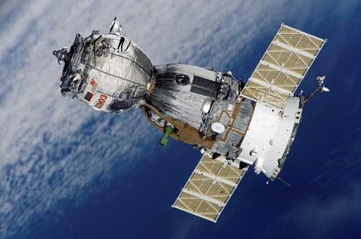 satellite-67718__340
