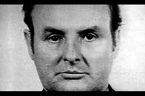 Seryjni Mordercy – Archibald Thomson Hall – Kamerdyner