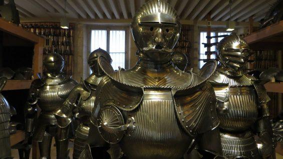 Tajemnice Starożytnego Ciężkiego Uzbrojenia