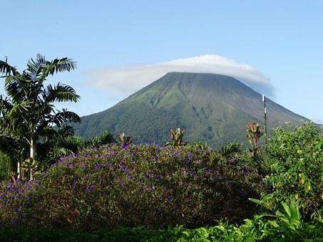 volcano-672304__340