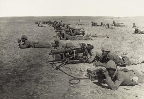 wojna machine-gun-67470__340
