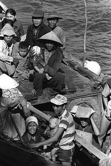 wojna wietnam boat-people-1348337__340