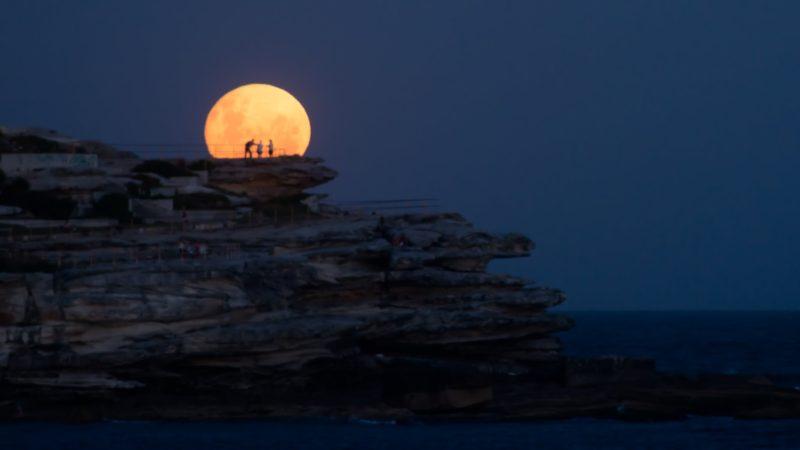 Dalej niż Księżyc